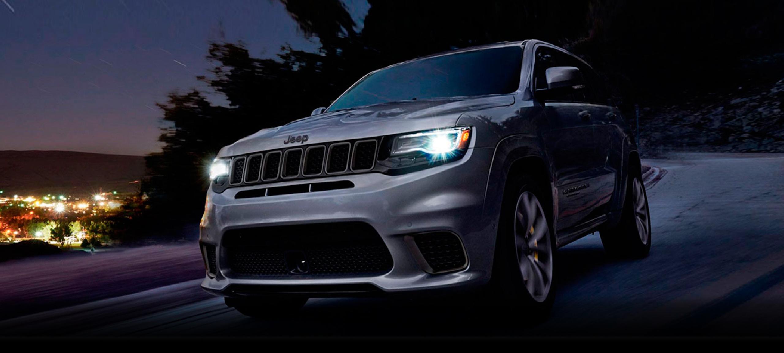 jeep_grand_cherokee_SRT-2020